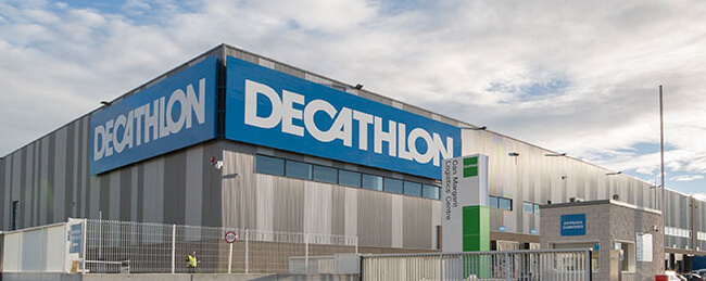Mopinion: Decathlon rolls out Mopinion feedback software in 23 countries - Decathlon warehouse