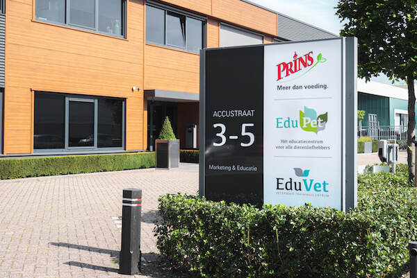 Customer Story Prins Petfoods - office