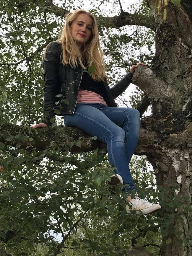 Lynn in tree